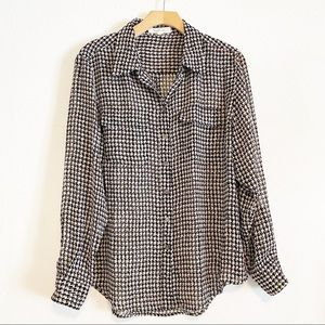 Two by Vince Camuto houndstooth button up blouse